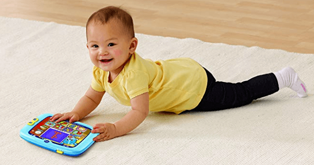 bebe avec tablette